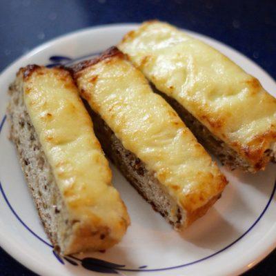 Cheesy Toasted Bread Sticks