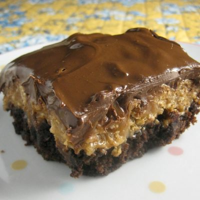 Layered Crunchy Caramel Brownies