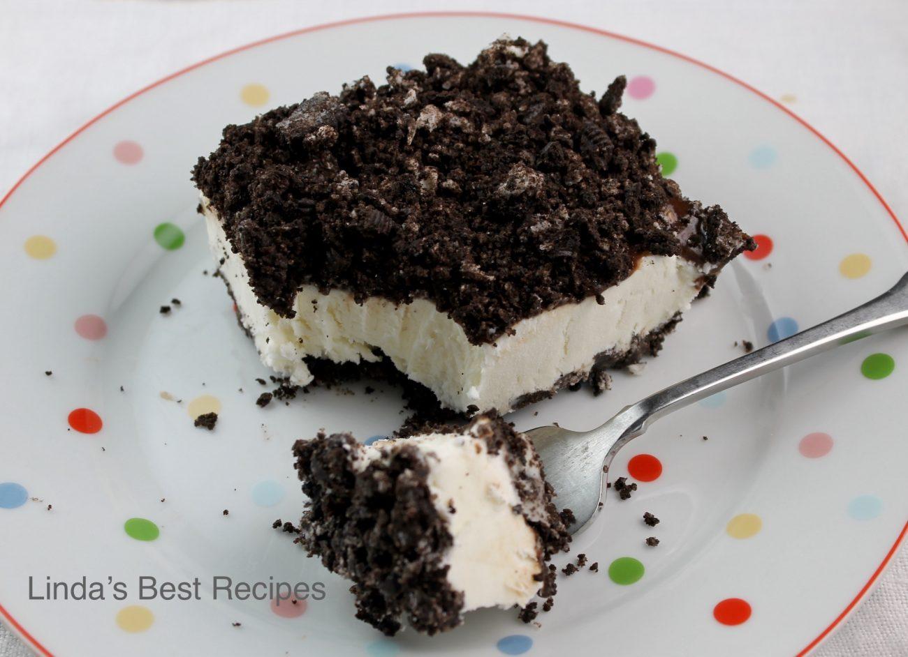 Frozen Black and White Creme Dessert