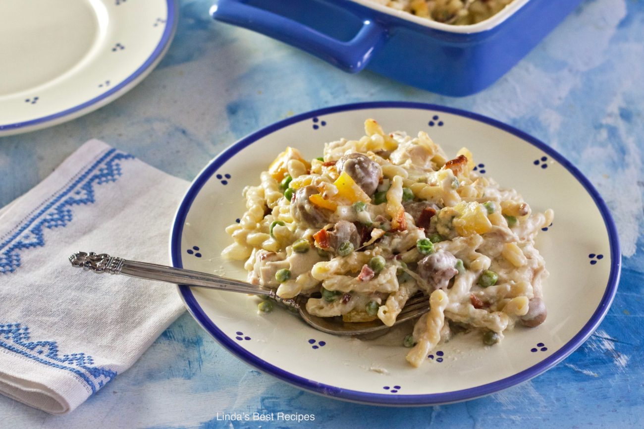 Chicken Blue Cheese Bacon Pasta Casserole